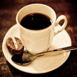 Бодрит ли кофе или это иллюзия?