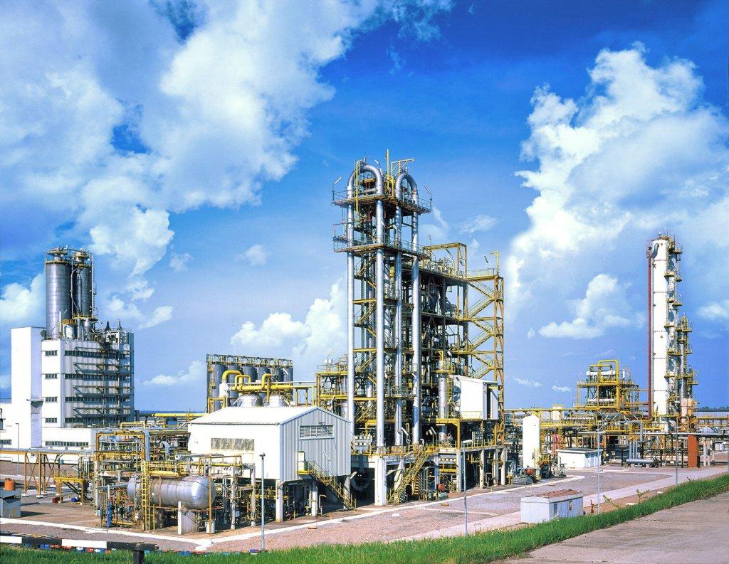 Первый кирпич в строительство заложил Владимир Путин 6 сентября 2012 года. Всего же в строительство завода планируется вложить примерно 1 трлн рублей