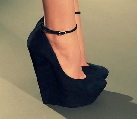 обувь на танкетке фото